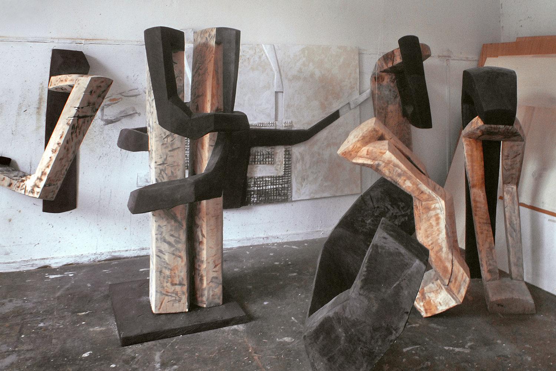 Holzskulpturen von Beate Debus . Oberalba 2006