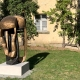 """Ausstellung """"Nivard 1"""" . Malerei Skulpturen Installationen . Bronzeskulptur """"Körpermaske"""" Beate Debus . Maria Bildhausen 2020"""